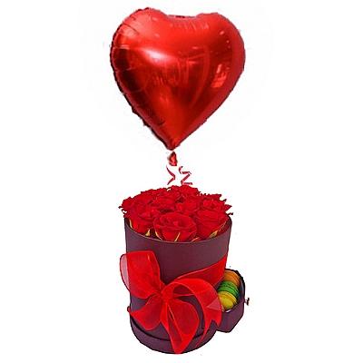 Kutuda Makaronlu 10 Gül ve Kalp Uçan Balon